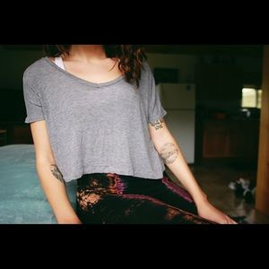 Brandy Melville Cropped Cozy Shirt